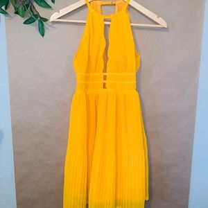 H&M YELLOW PLEATED PARTY COCKTAIL DRESS